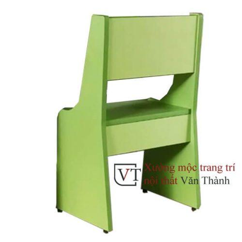 Ghế học sinh màu xanh lá cây